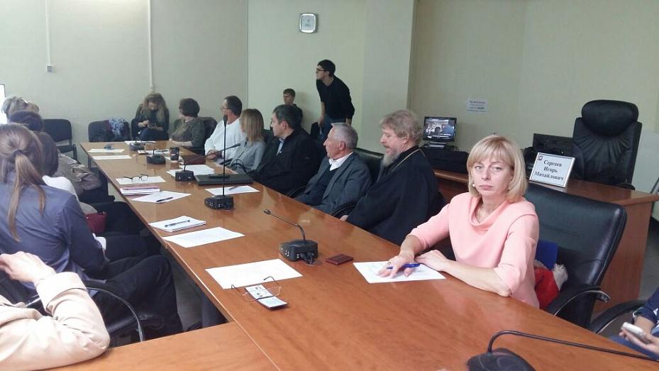 Валерий сергеев член общественной комиссии по надзору за местами